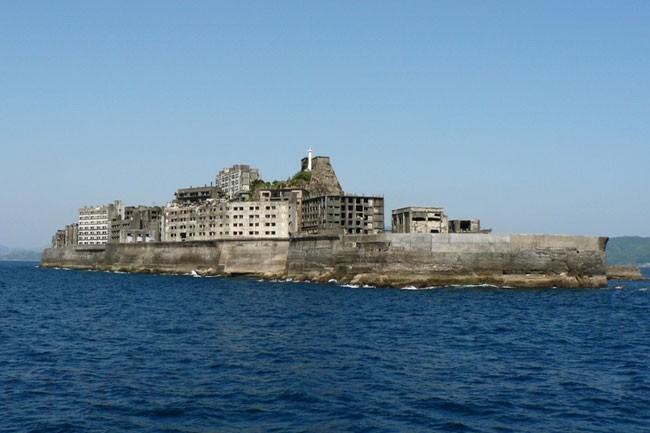 جزيرة هاشيما المهجورة في اليابان