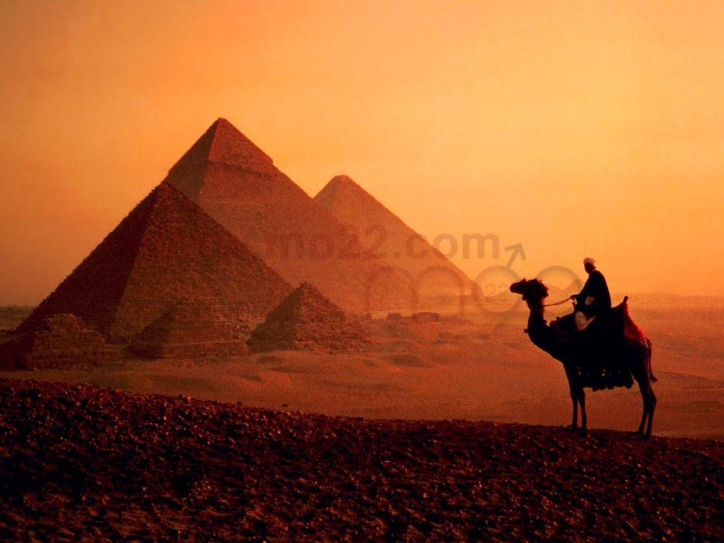 الأهرام و شعب مصر الكرام