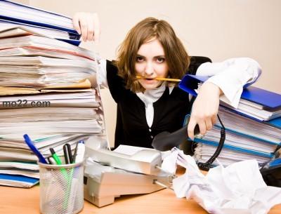 العمل يؤثر على أنوثة المرأة ولكنه يحميها من ظلم الرجل