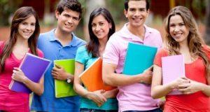 الطلبة في المهجر يرغمون على العمل بسبب الأعباء المالية