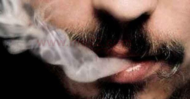 الرجل المدخن